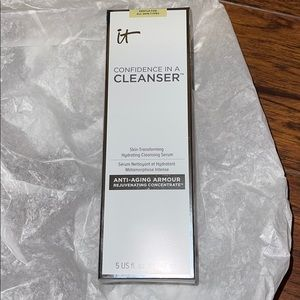 NIB It Cosmetics Confidence in a Cleanser